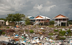 trash field on Utila