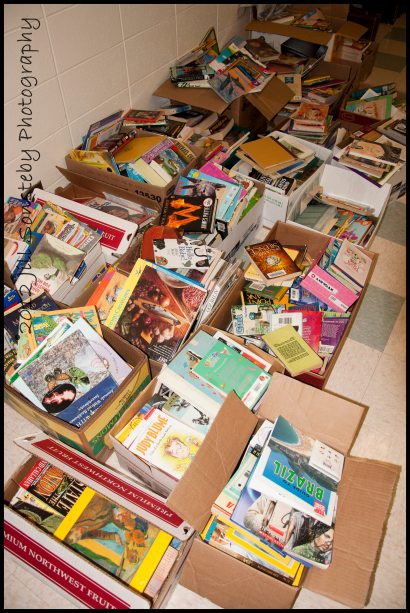 Over 1000 books were donated from Syrnga Middle School last week for the first ever library of a public school in Utila, Honduras.